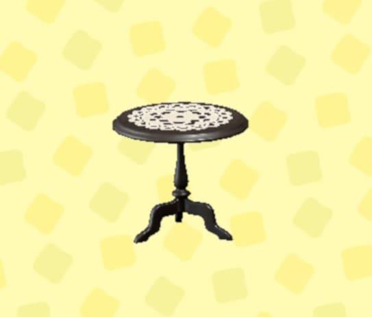 アンティークなミニテーブル